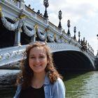 Halana Dash, student blogger in Paris