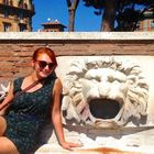 Katie Hennessy, blogger in Rome