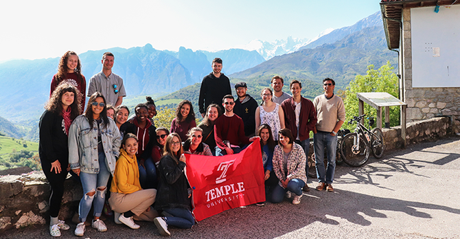 Picos Mountains Group Photo SP18 Dylan Long