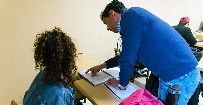 SP18 Dylan Long Jaime helping Student