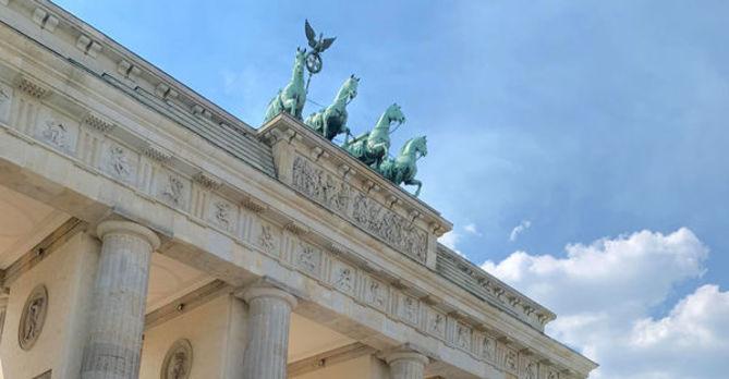 Brandenburg Gate Berlin SU19