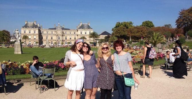 students in Paris on CIEE's program