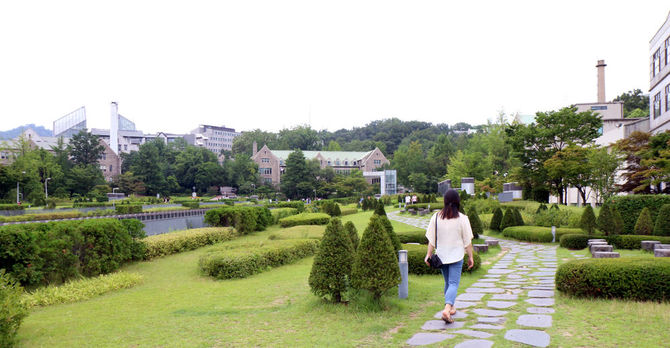 Ewha campus in spring
