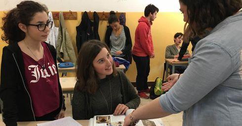Cara Epstein teaching art history to Italian students